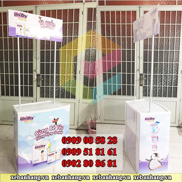 booth nhua ban hang mini