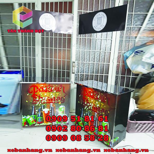 booth quang cao bang inox